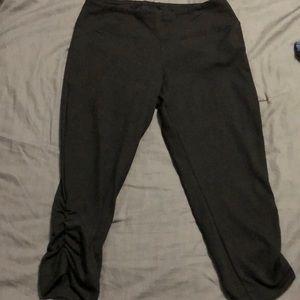 Size small black Capri active pants.